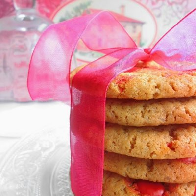 Red Chocolate Chip Cookies