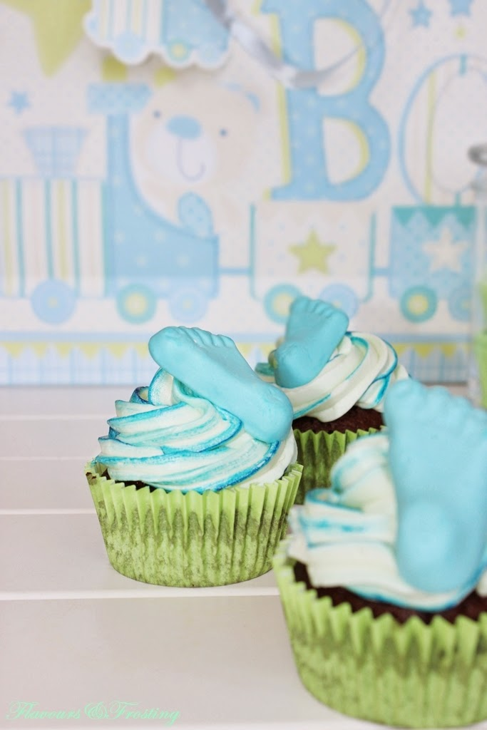 Chocolate Mint Cupcakes for a babyshower | FlavoursandFrosting.com