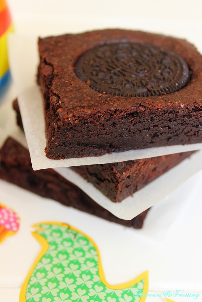 Delicious Oreo Brownies | FlavoursandFrosting.com