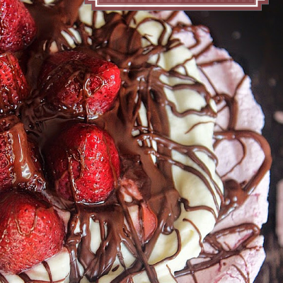 Strawberry Chocolate Pavlova|Cream Cheese Topping