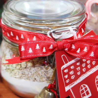 DIY Christmas Gifts: #3 COOKIES IN A JAR