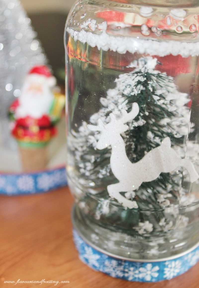 DIY Christmas Gifts: #1 DIY SNOW GLOBES