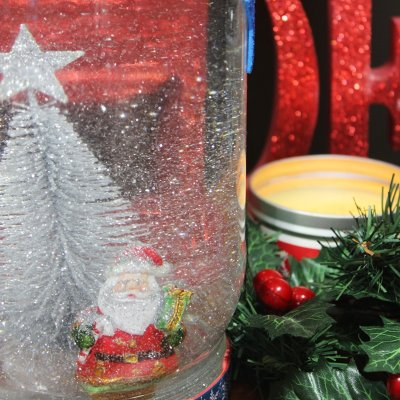 DIY Christmas Gifts: #1 SNOW GLOBES