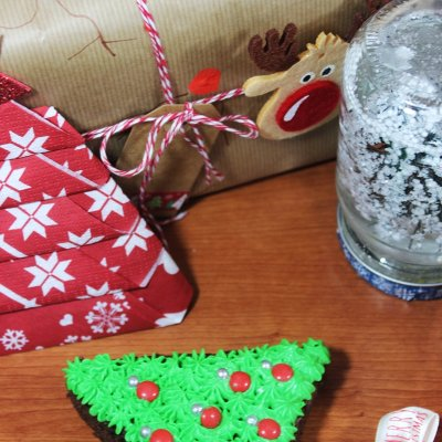 DIY Christmas Gifts #6 Rudolph Wrapping Paper