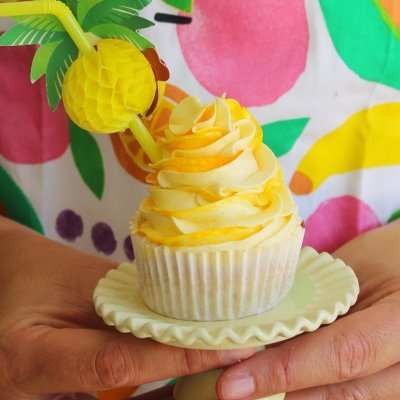 Preserved Peaches and Brandy Cupcakes