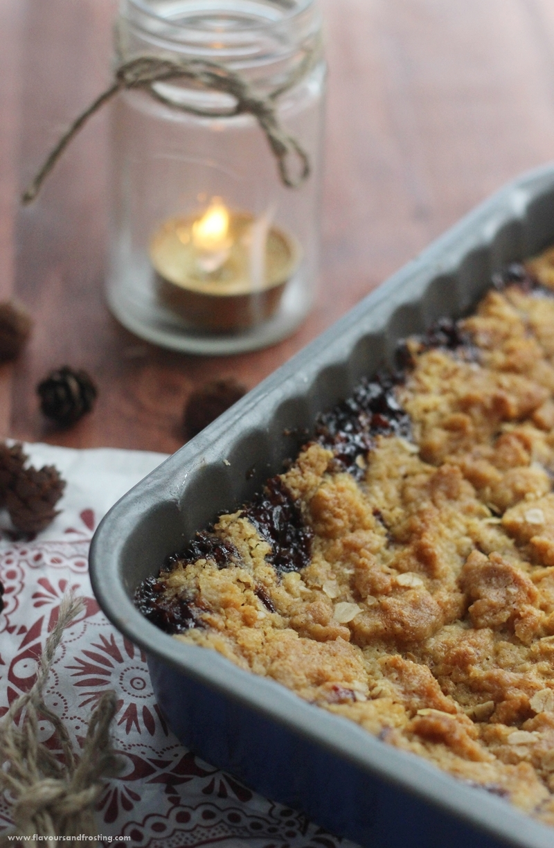 Black Cherry Oatmeal Bars Recipe with cinnamon