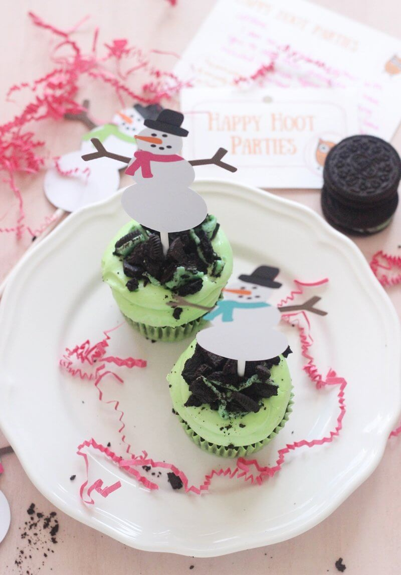A recipe for Mint Oreo Cupcakes for Christmas + an Etsy GIVEAWAY for these cute snowman toppers, garland and place holders, to make your Christmas table look super festive, and not to mention adorable!! Oh and did I mention a coupon code?