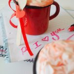 A delicious recipe for Red Velvet Hot Chocolate - flavoursandfrosting.com