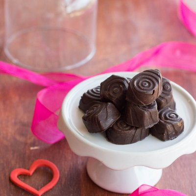 Recipe for Chocolate Covered Cherries (Maraschino) and Liqueur