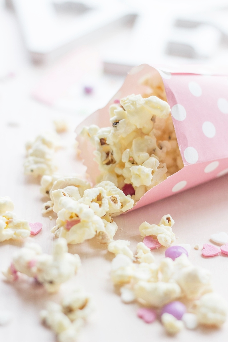 Valentines Popcorn | made with white chocolate & candy | Reader Survey