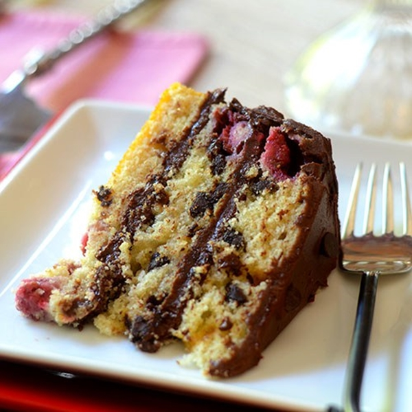 Raspberry Chocolate Chip Cake| Layer Cakes for Easter round-up on FlavoursandFrosting.com