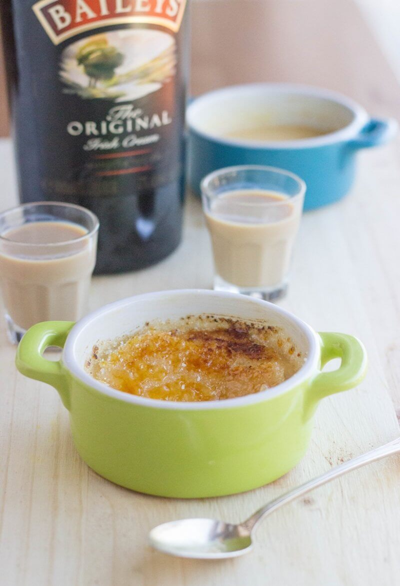 Microwave Creme Brulee made with Baileys Irish Cream + a step by step video tutorial to show you how easy it is to make a Crackly Creme Brulee Caramel Topping!