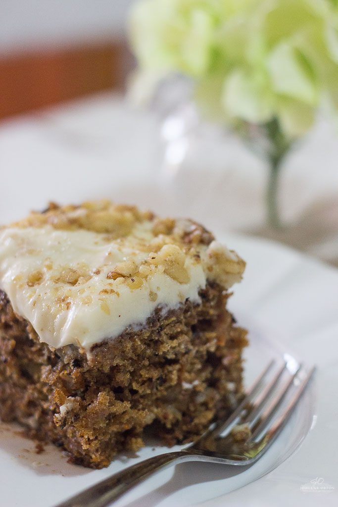 This is seriously the best CARROT CAKE Ever!!!