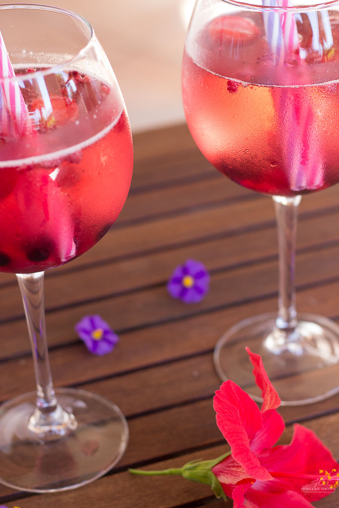 3 Ingredient Berry Sangria Recipe made in just minutes, perfect for Summer, and can be made sugar free too!