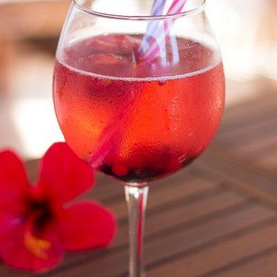 3 Ingredient Berry Sangria Recipe