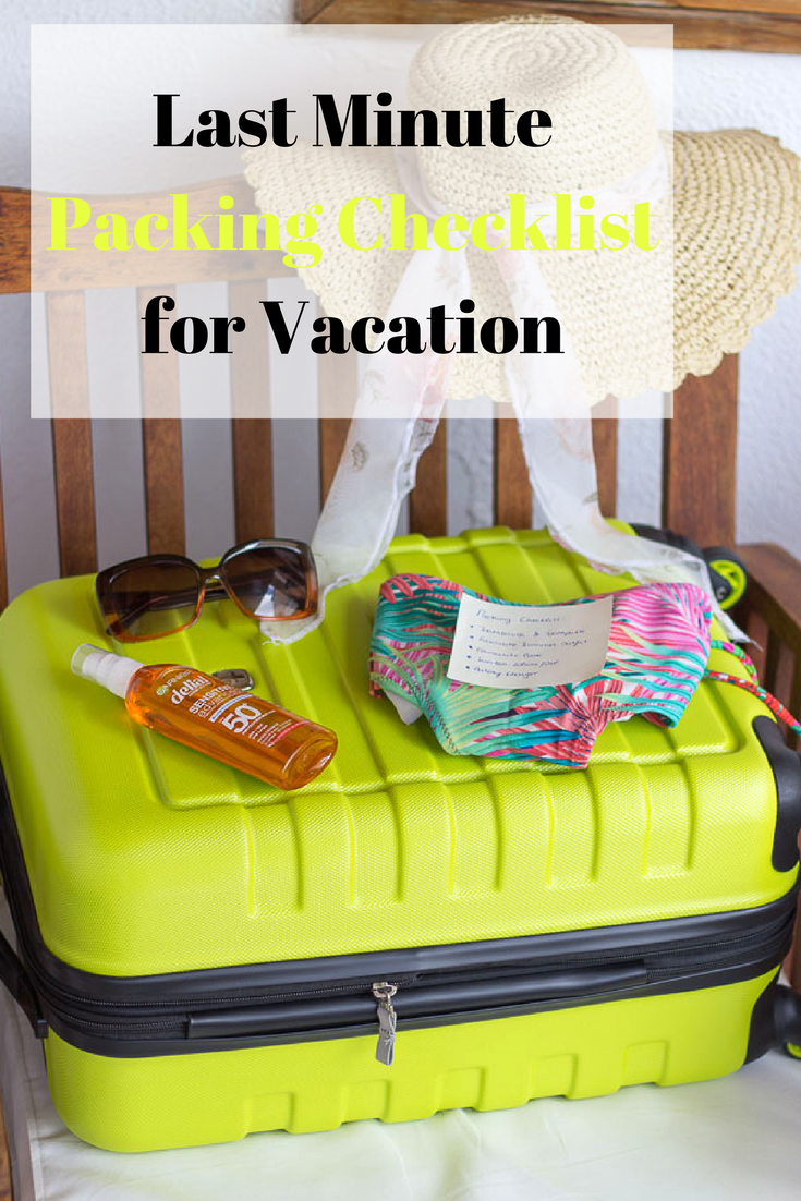 This is my last minute Packing Checklist for Vacation. Use this before zipping your suitcase close and you won´t forget anything!
