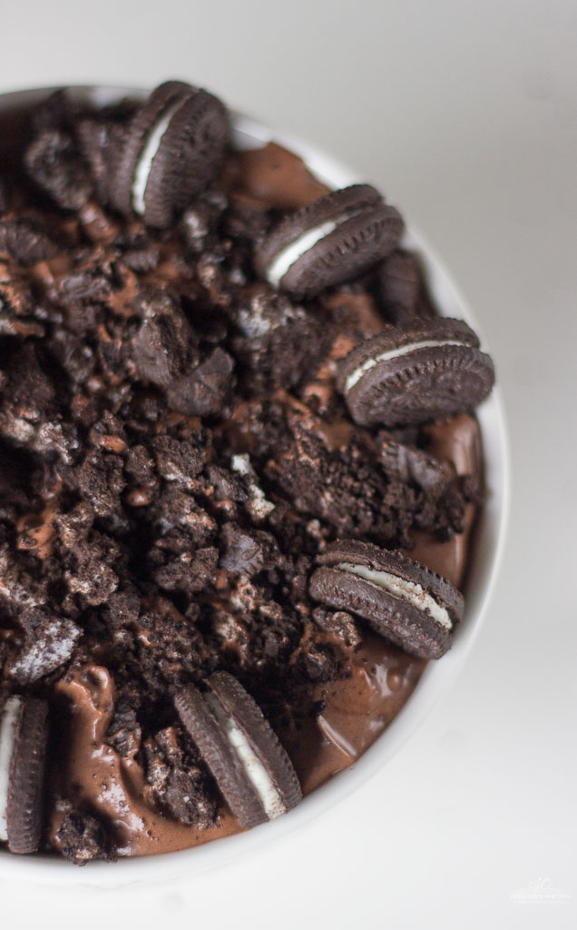 Oreo Chocolate Cheesecake Dip