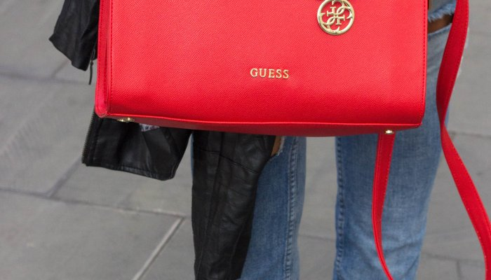 Red Handbag Trend Fall 2017 | Here are 6 of my favourite types of handbags!