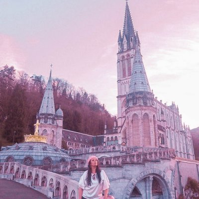 Visit Lourdes in south west France. At the foot of the Pyrenees mountains in south west France you´ll find the town of Lourdes which is one of the most important pilgrimage sites in the World.