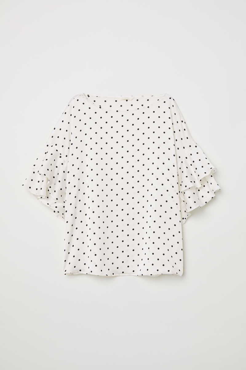 SHOP MY INSTAGRAM Polka dot blouse with flounced sleeves