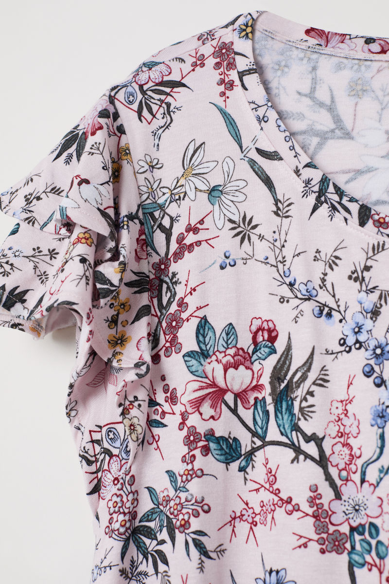 SHOP MY STYLE - H&M floral top with flounced sleeves