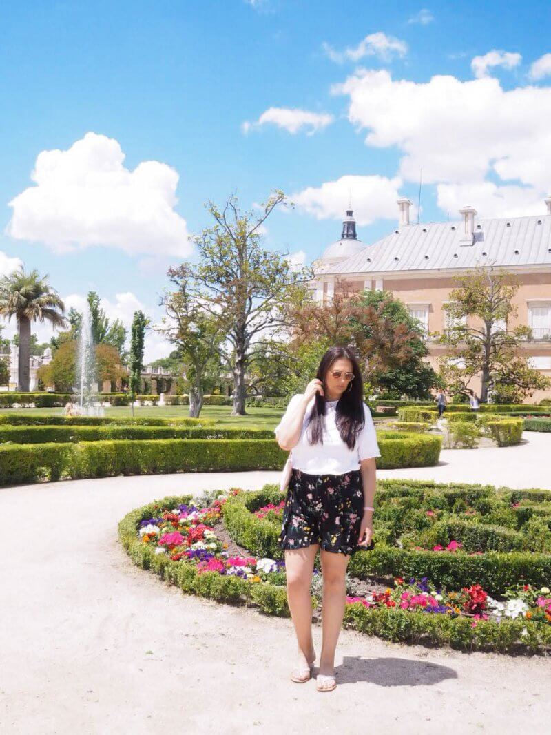 STYLE ON A BUDGET SUMMER AFTERNOON IN BEAUTIFUL PALACE GARDENS